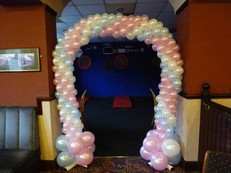 Balloon doorway arch